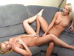 Blonde, Cunnilingus, Lesbian